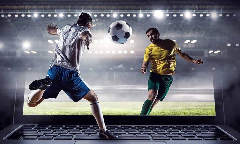 живой футбол на ноутбуке